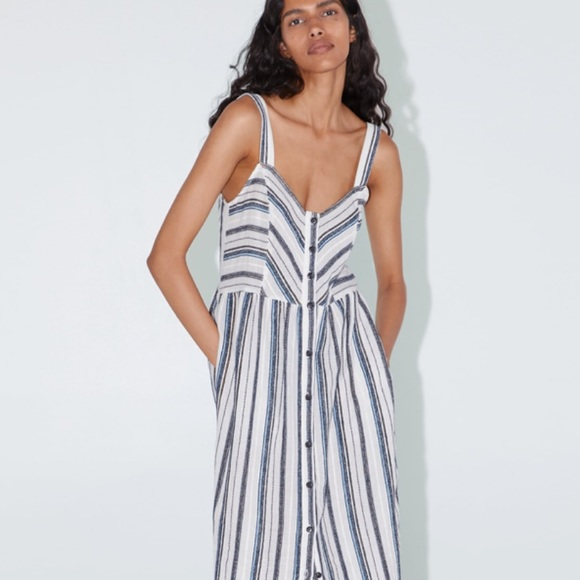 Zara Dresses & Skirts - Zara midi dress